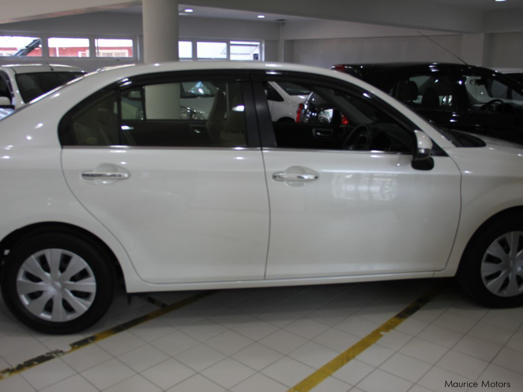 ... Toyota AXIO - MODEL G - MANUAL TRANSMISSION - PEARL WHITE in Mauritius  ...